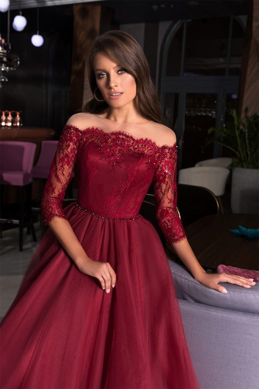 0778bc315e2 Салон вечерних платьев в Москве